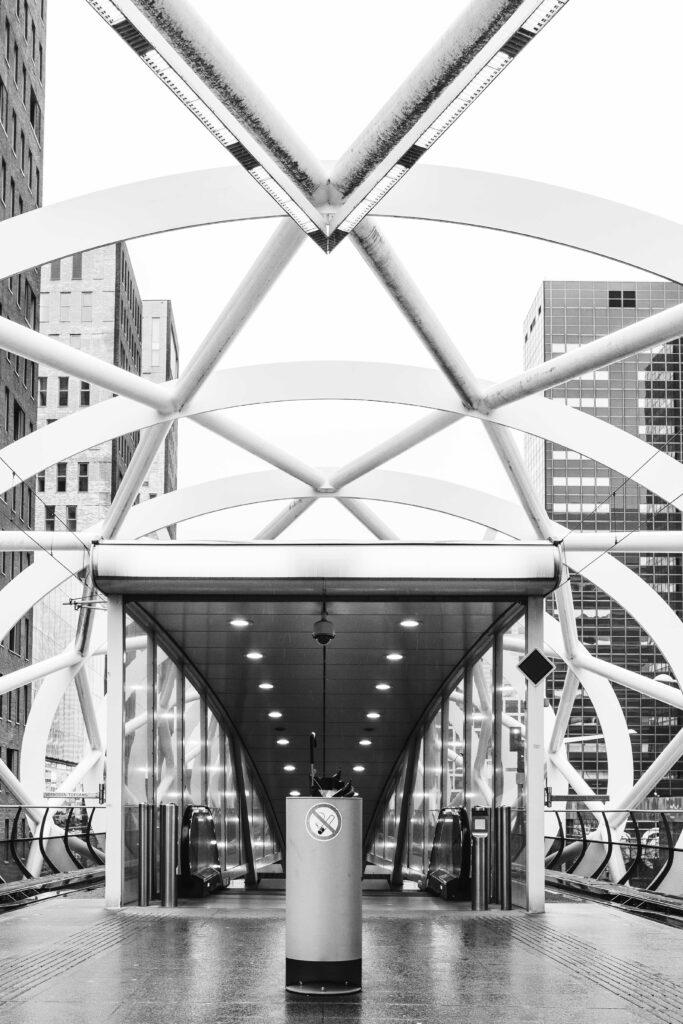architectuurfotografie sacha jennis den haag treinstation